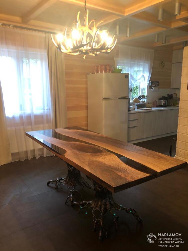 Стол «Река» из слэба ореха — WoodenSlab.ru
